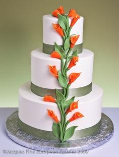 Imagine Blue, purple and white calli lilies wedding cake :) Floral Wedding Cakes, Elegant Wedding Cakes, Elegant Cakes, Floral Cake, Wedding Flowers, Gorgeous Cakes, Pretty Cakes, Amazing Cakes, Calla Lily Cake