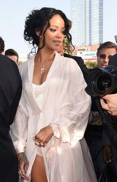 Rihanna - Arrivals at the MTV Movie Awards — Part 2