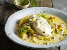 Discover our easy and quick recipe of Cod with Bacon and Potatoes on Cuisine Actuelle! Cod Recipes, Quick Recipes, Potato Recipes, Meat Recipes, Cooking Recipes, Shellfish Recipes, Food Tags, Food To Make, Seafood