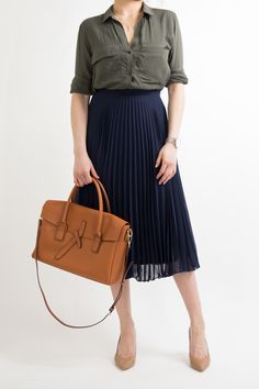 business-casual-women-work-office-professional-outfit-ideas-miss-louie-40