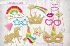 Instant download printable Unicorn photo booth props in gold glitter effect and beautiful bright colors. The perfect MUST HAVE for every unicorn party. Nothing physical will be sent to you. What you will get is a high res PDF file with 7 sheets A4 size ready for print. 23 elements