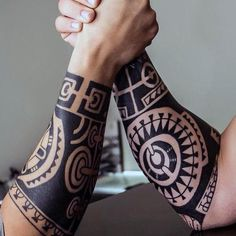 Black Ink Male Tribal Forearm Tattoos