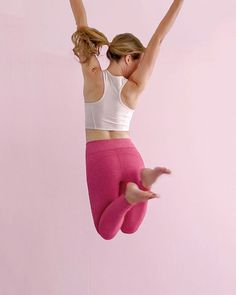 Amazing Workout Clothes Outfits to impress and progress - Outdoor Click Spring Fashion Trends, Autumn Fashion, Dance Outfits, Cute Outfits, Workout Wear, Workout Outfits, Barefoot Girls, Gym Essentials, What's Your Style