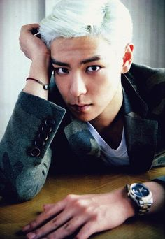 T.O.P of BIG BANG with his frost-blue hair. <(*-*<) *swoons* (Top Bigbang Girls)