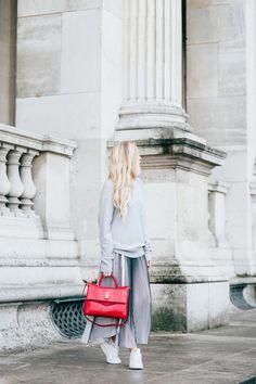 C'est la vie - My Style - Fashion - Kira Kosonen Chanel Boy Bag, Skirt, My Style, Grey, Casual, Clothes, Beauty, Fashion, C'est La Vie