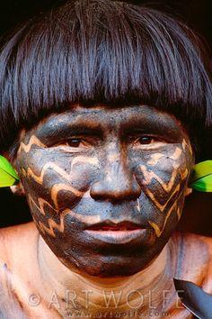 Venezuela   Portrait of a Yanomamo man, Parima-Tapirapeco National Park   © Art Wolfe