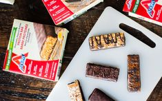 easy keto appetizers for party Keto Protein Bars, Chocolate Protein Bars, Vegan Protein Sources, Low Sugar Snacks, Keto Snacks, Aperitivos Keto, Peanut Butter Bars, Diet Plan Menu, Keto For Beginners