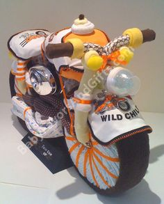 Craft Ideas / Harley Davidson motorcycle Diaper Cake, nappy cakes, baby shower gift ideas provided by Baby Favors And Gifts Brooklyn 11234 Diaper Bike, Diaper Motorcycle Cake, Diaper Cake Boy, Motorcycle Baby, Motorcycle Birthday, Baby Shower Crafts, Shower Gifts, Shower Party, Babyshower