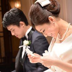 当日までのお楽しみ♡彼とお互いの席札の裏にメッセージを書きあいっこするのが素敵すぎ* | marry[マリー]