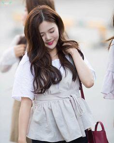 CUTEST GIRL EVER Cr. 940728_com # # #ohmygirl #hyojung #choihyojung #candyleader #windyday #liarliar #cupid #closer #jiho #arin #jine #binnie #mimi #yooa #seunghee #omg #오마이걸 #miracle #최효정 #효정