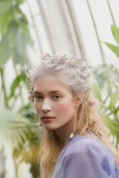 51 trendy flowers in hair art makeup Daena Targaryen, Pretty People, Beautiful People, Interesting Faces, Hair Art, Trendy Hairstyles, Flowers In Hair, Pretty Face, Character Inspiration
