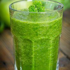 The Green Apple - The Bikini Body Diet Super Slimdown - Shape Magazine diet Healthy Detox, Healthy Smoothies, Healthy Drinks, Healthy Eating, Clean Eating, Healthy Foods, Watermelon Healthy, Healthy Recipes, Bebidas Detox