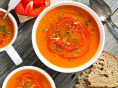 This copycat red pepper soup is perfect for any day of the week. Roasted red peppers, basil, balsamic, and cream really take this scrumptious soup over the edge. Bell Pepper Soup, Roasted Red Pepper Soup, Stuffed Pepper Soup, Roasted Red Peppers, Stuffed Peppers, Soup Recipes, Vegetarian Recipes, Cooking Recipes, Healthy Recipes