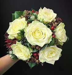 Brautstrauß Floral Wreath, Wreaths, Vegetables, Food, Home Decor, Homemade Home Decor, Meal, Door Wreaths, Essen