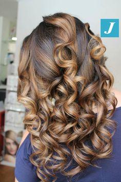 Quelle inimitabili sfumature che solo il Degradé Joelle può dare... #cdj #degradejoelle #tagliopuntearia #degradé #igers #musthave #hair #hairstyle #haircolour #longhair #ootd #hairfashion #madeinitaly #wellastudionyc