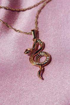 Snake Jewelry, Snake Necklace, Cute Jewelry, Jewelry Accessories, Jewelry Necklaces, Gold Bracelets, Diamond Earrings, Jewlery, Hanging Jewelry
