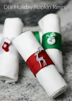 These DIY Holiday Napkin Rings are perfect to use for your holiday table decor and are so easy to make! These DIY Holiday Napkin Rings are so easy to make and festive too. Customize them or make them for any occasion easily! Even kids can help! Diy Christmas Napkins, Christmas Napkin Rings, Christmas Table Decorations, Christmas Diy, Holiday, Rustic Christmas, Rustic Napkin Rings, Rustic Napkins, Diy Napkin Rings