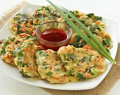 Chinese Savory Pancakes with chives, carrots, and shrimps | Food to gladden the heart at RotiNRice.com