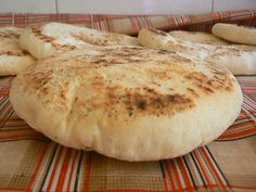 Bazlama is a traditional type of bread in Turkey Greek Cooking, Easy Cooking, Cooking Time, Couscous Recipes, Food Tags, Always Hungry, Easy Bread, Iftar, Turkish Recipes