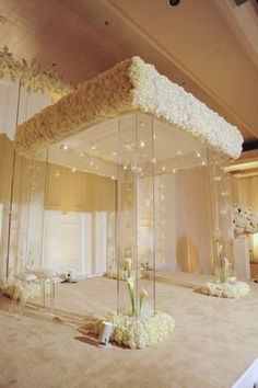OOOOOOO! what a pretty minimal mandap! love the acrylic pillars with cala lilies…