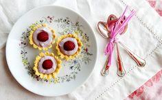 Kuningatartartaletit Blueberry, Raspberry, Napkins, Favorite Recipes, Plates, Tableware, Licence Plates, Berry, Dishes