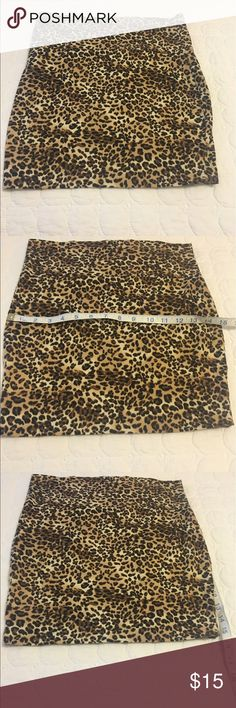 🎈🎈Leopard skirt. Never worn no tags Leopard skirt. Great condition. Comfortable and flattering. Skirts Mini