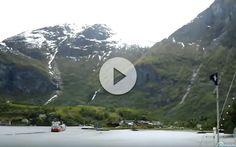 Vídeo Time lapse del MSC Sinfonia en FlamEspectacular salida del barco de MSC Cruceros en los fiordo MSC Sinfonia en Flam: Sin duda, navegar por los fiordos noruegos es una de las mejores experiencias que puede vivir un crucerista. El pasado mes de mayo cruceroadicto.com se hallaba a bordo ...