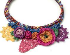 Necklace-Bohemian Crochet Maple Leaves Crystal di PinaraDesign