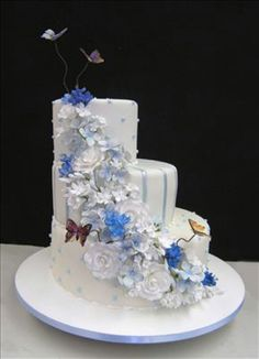 http://www.colettescakes.com/cakesGallery.aspx?gallery=wedding