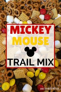 Mickey Mouse Trail Mix: The Perfect In-Flight or Road Trip Snack for Your Disney Vacation Need a Disney inspired snack to pack for your next road trip or flight to a Disney destination? Try this simple sweet and salty Mickey Mouse trail mix. Mickey Mouse Food, Mickey Y Minnie, Mickey Party, Mickey Mouse Parties, Pirate Party, Mickey Mouse Cupcakes, Disney Mickey, Mickey Mouse Desserts, Mickey Mouse Favors