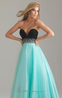 Black and turquoise dress. So pretty.