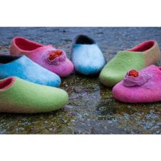 Women Slippers Pink Blue Green Red Slippers Felted Wool Slippers Women... (€58) ❤ liked on Polyvore featuring shoes, slippers, black and women's shoes