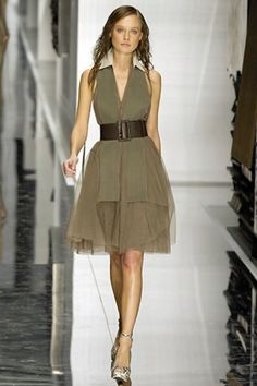 See the complete Gianfranco Ferré Spring 2008 Ready-to-Wear collection.