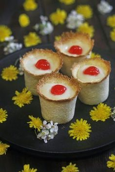 VASITOS DE COCO Y CREMA Coco, Sushi, Cheesecake, Ethnic Recipes, Desserts, Videos, Projects, Candy Stations, Cooking Recipes