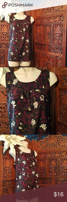 Loft floral summer sleeveless blouse medium Loft sleeveless summer blouse Size medium Like new excellent condition Purple black white floral design Measures 25 in Long 20in laying flat LOFT Tops Blouses