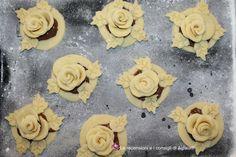 http://aglaiarecensioni.blogspot.it/2017/02/rose-di-pasta-frolla.html