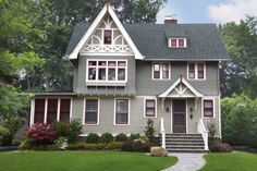 A varied paint palette brings out intricate details and period style of this 1902 house in Montclair, NJ