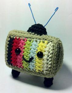 Crochet small tv. Teles como las de antes... #amigurumi #toys