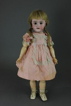 "19"" HEINRICH HANDWERCK SIMON & HALBIG BISQUE HEAD - by McMasters Harris Appletree Doll Auctions"