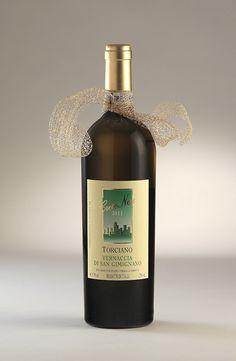 Vernaccia di San Gimignano  Luxury White Wine from Tenuta Torciano Winery #wine #winery #Tuscany #Italy #foodpairing #chianti #gift #brunello #vernaccia