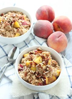 Peach Cobbler Oatmeal #fastrecipes #easyrecipes #quickrecipes