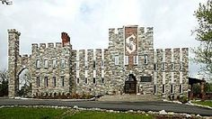 PHOTO: A castle in Missouri was on sale a few years ago for $2 million, was just bought by a couple for only $395,000.
