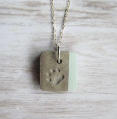 Beton Kette *Pfote & Pastellgrün* von Structallic - Schmuck mit *Akzent* auf DaWanda.com