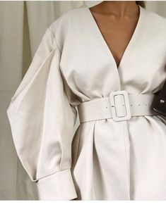 Shared by ℓυηα мι αηgєℓ ♡. Find images and videos about fashion, white and outfit on We Heart It - the app to get lost in what you love. Fashion Details, Fashion Photo, Fashion Tips, Fashion Design, Fashion Trends, Fashion Fashion, Latest Fashion, Streetwear Mode, Streetwear Fashion