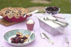Pie de cerezas especiadas con helado de yogurt