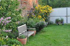 garden_bench_perennials_border_gardenista