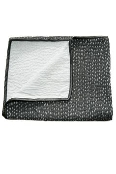 Salt & Pepper baby blanket, hand-stitched and made of cotton with vegan cracked leather piping detail. x For sale, no pattern. I kinda like the stitching. Textiles, Cute Blankets, Baby Blankets, Indian Quilt, Hand Quilting, Quilting Patterns, Quilt Pattern, Running Stitch, Hand Stitching