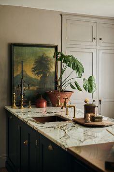 Devol Kitchens, Home Kitchens, Deco Design, Küchen Design, Interior Design Inspiration, Home Decor Inspiration, Decor Ideas, Kitchen Interior, Interior And Exterior