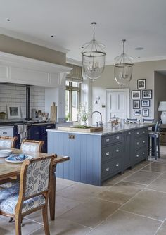 Very pretty kitchen with blue kitchen island Sims Hilditch Interior Design - New Forest Manor House New Interior Design, Apartment Interior Design, Kitchen Interior, Kitchen Decor, Kitchen Ideas, Kitchen Designs, Design Interiors, Interior Decorating, Country House Interior