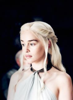 Emilia Clarke Felt Pressured to Do Nude Scenes After Game of Thrones Emilia Clarke Daenerys Targaryen, Game Of Throne Daenerys, Daenerys Targaryen Season 7, Daenerys Targaryen Makeup, Dany Targaryen, Clarke Game Of Thrones, Game Of Thrones Art, The Mother Of Dragons, My Champion